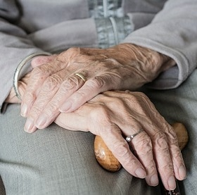 Elderly people can benefit from osteopathy